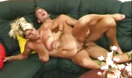 A adult aunt has a xvidio asia dildo metal and masturbating, pussy, riding in the kitchen