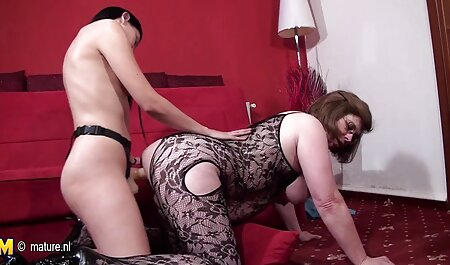 A student wearing stockings asian young porn off sex Toy while posing in the bed